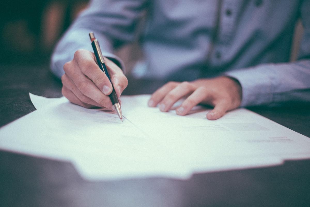 履歴書の作成手順とは?|履歴書の4つのポイントを詳しく解説!