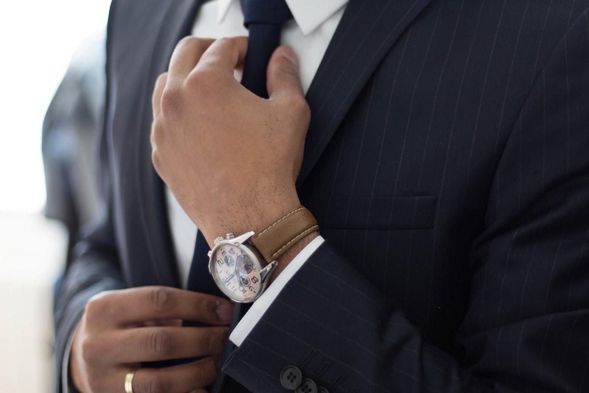 管理部門でおすすめの資格の選び方とは?年収アップに効く資格・検定12選!