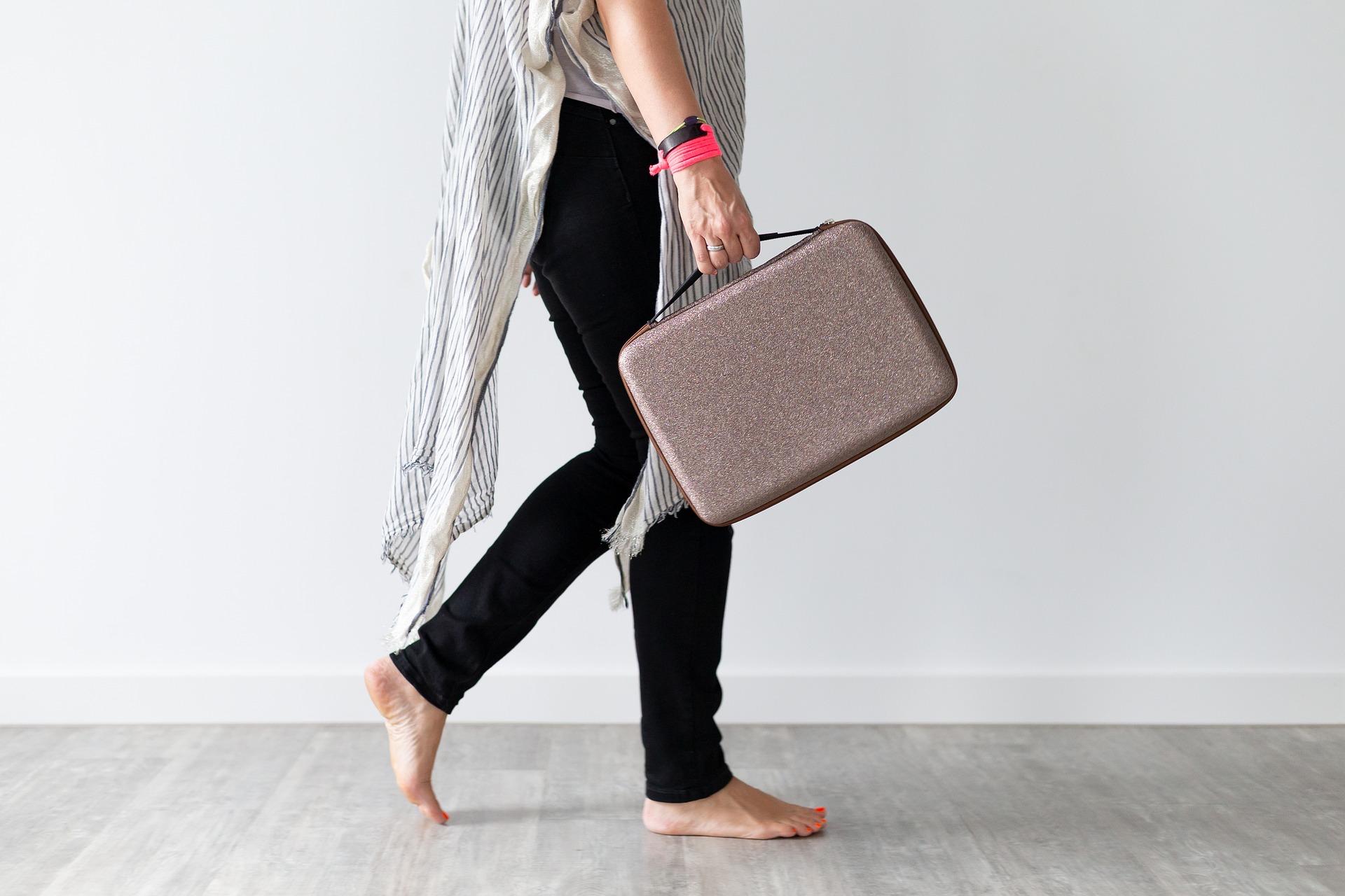 【転職面接】バッグ選びのポイントと面接に向かないNGバッグとは?の画像4