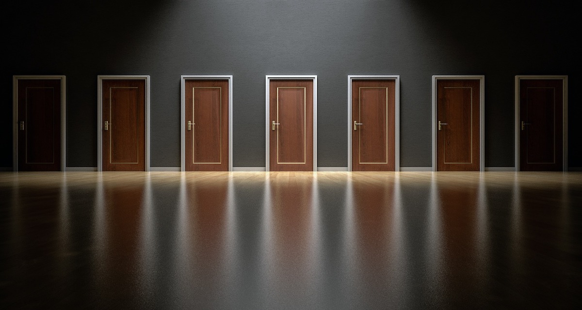 経理のキャリアパスを解説 転職か昇進のどちらを選ぶ?の画像2