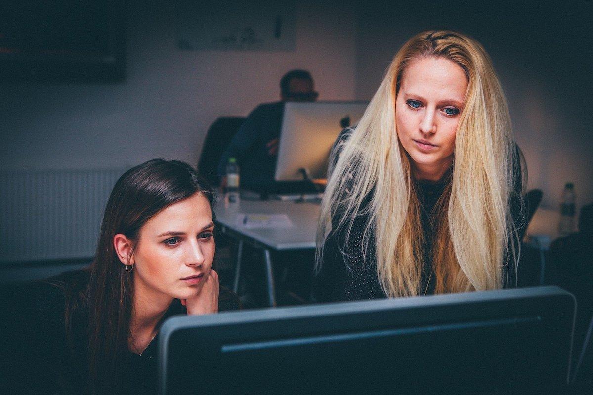 経理のキャリアパスを解説 転職か昇進のどちらを選ぶ?の画像3
